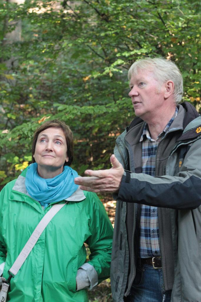 Annette Pagenkemper vom Kreis Gütersloh und Stephan Borghoff von der Stadt Halle.
